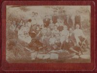 Original-1920-Photo-Greece-Serbia-Familly-People-Costume-Spring-182181580740